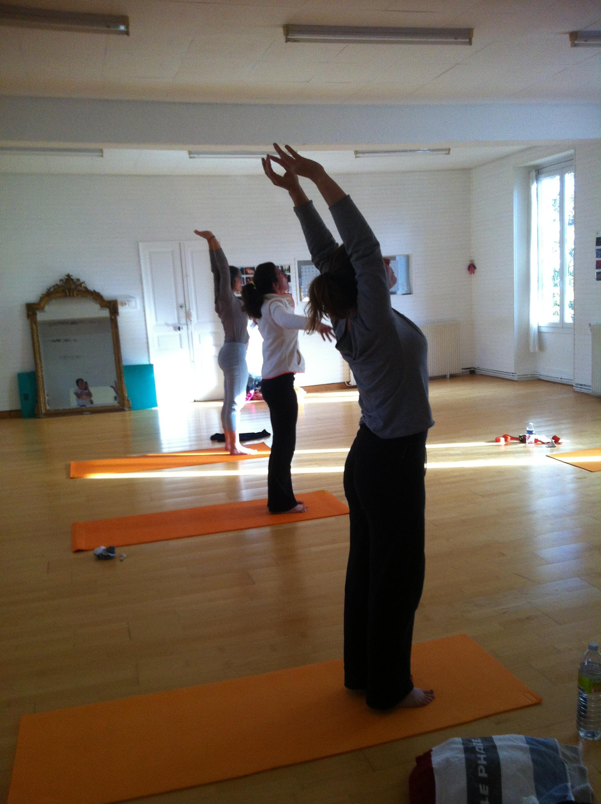 Cours de yoga de saison de 2h, première semaine de chaque mois.